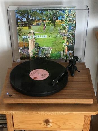 paul-weller-record-player-22-dreams