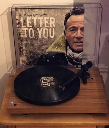 bruce-springsteen-record-player-letter-to you-01
